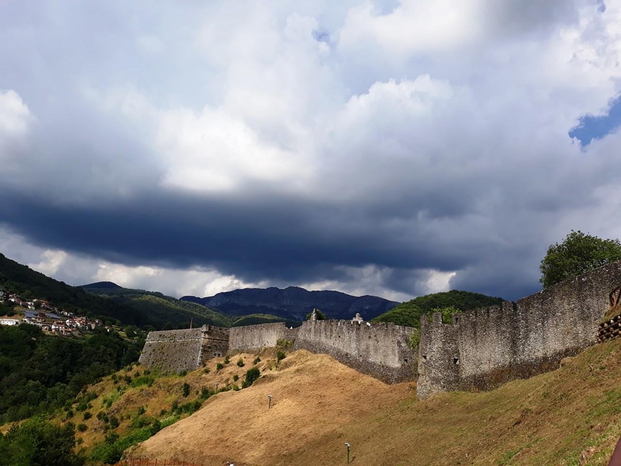 Due cuori e… una Fortezza. Accade a San Romano in Garfagnana