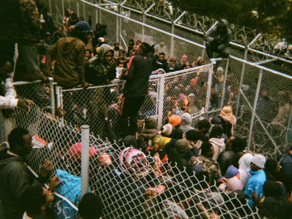 Profughi nel campo di Samos