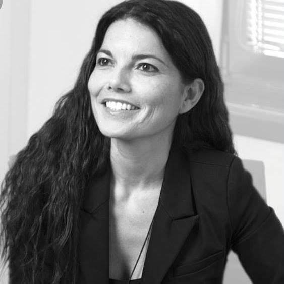 La giornalista e scrittrice Angela Iantosca