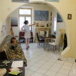 In giro per il laboratorio/casa - foto Marco Ciccolella/NESSUNO[press]