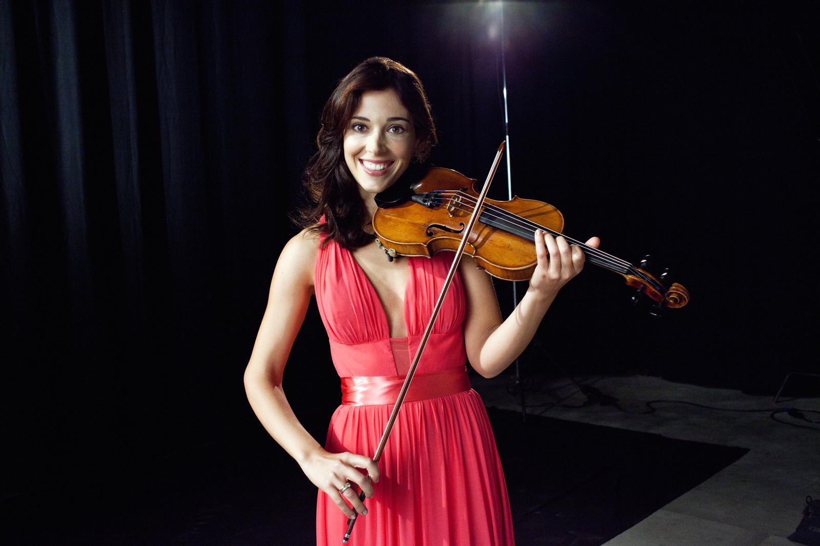 Cecilia, l'unica violinista donna (e italiana) alla Palast Orchester di Berlino