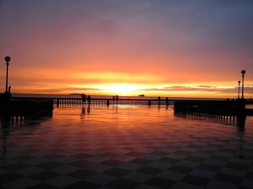 Emozioni d'Italia (2). Livorno, la magia della Terrazza Mascagni al tramonto