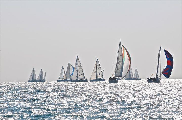 """""""10.000 vele contro la violenza di genere"""": lo straordinario flash mob in mare il 4 luglio"""